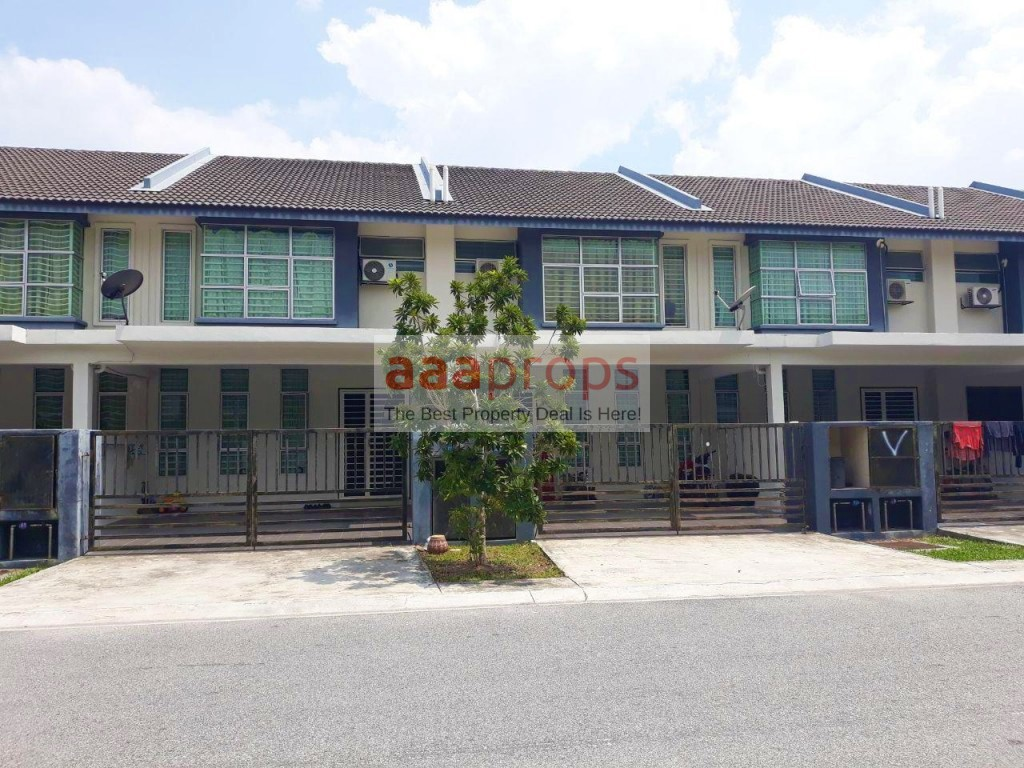 2 STOREY TERRACE AZALEA BANGI AVENUE FOR SALE