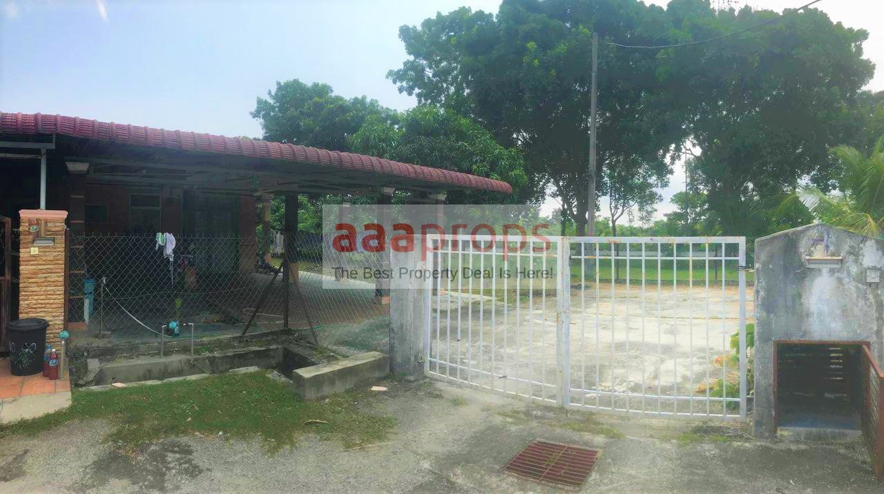 Single Storey Corner Lot @ Bandar Mahkota Banting, Selangor for sale!