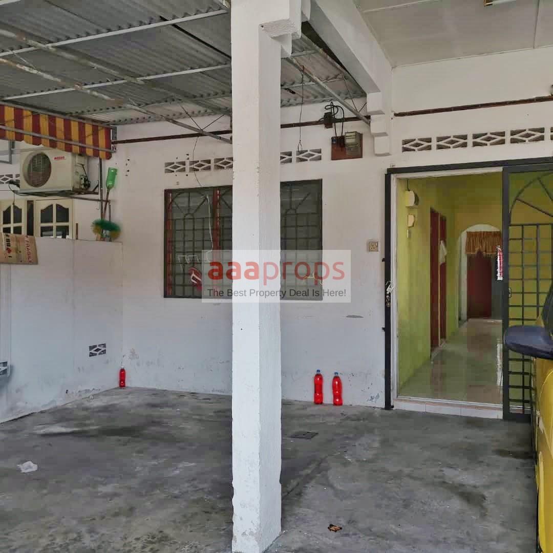 Single Storey Terrace (Intermediate Unit) Taman Baiduri Banting, Selangor