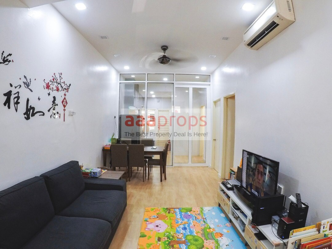 GROUND FLOOR Townhouse Pearl Villa, Bandar Saujana Putra with Reno & Furnished