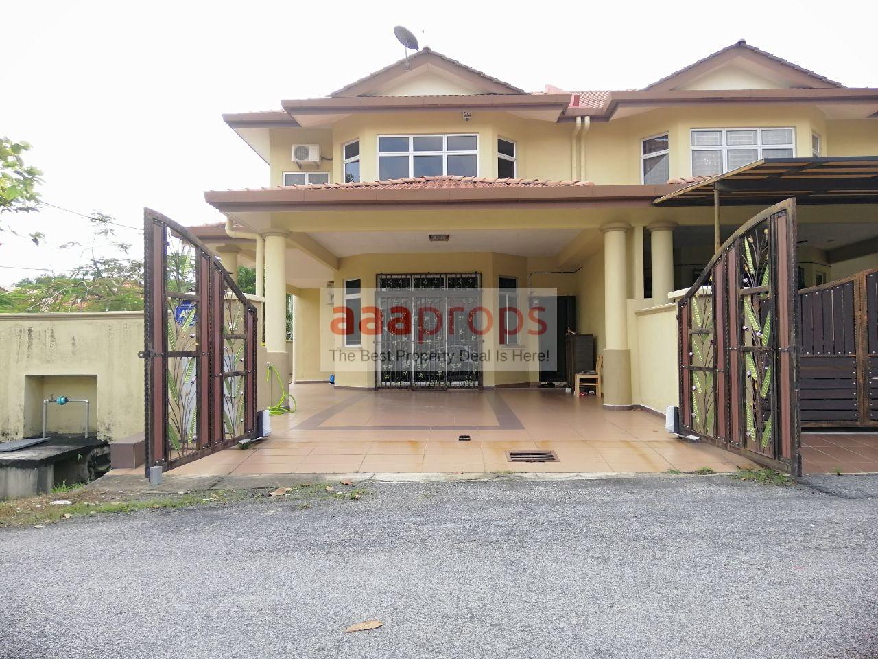 Double Storey Semi-D Corner Lot @ Taman Dahlia, Bandar Baru Salak Tinggi